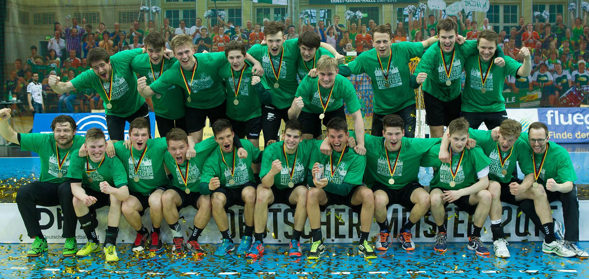 Ein SCDHfK-Team nach dem Sieg beim feiern